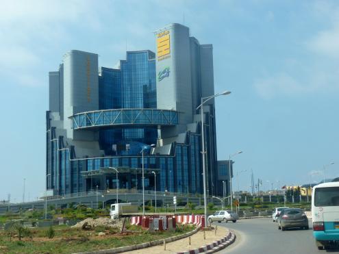 Sede da petrolífera Sonatrach em Oran, ArgéliaSede da petrolífera Sonatrach em Oran, Argélia