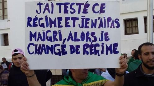 """No cartaz lê-se: """"Testei este regime e não emagreci, então mudo de regime"""""""