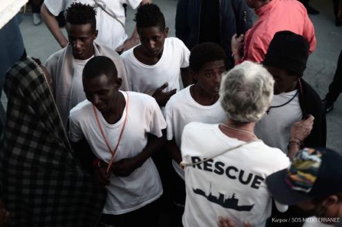 Imigrantes no Aquarius - Foto SOS Mediterranée
