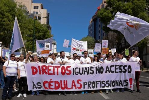Manifestação por cédulas profissionais nas TNC, 4 de abril de 2017 – Foto de Filipa Bernardo/Lusa