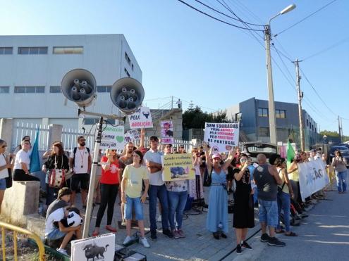 Protesto anti-touradas em Baião.