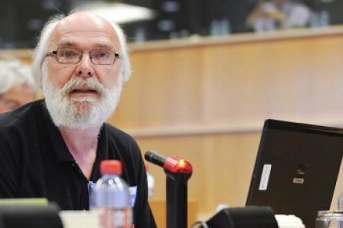 Éric Toussaint envia-nos o seu depoimento sobre os 10 anos do esquerda.net, a partir de Génova onde participa na comemoração dos 15 anos da cimeira contra o G8 (19-23 de julho de 2001)