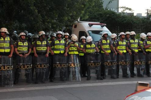 Cerca de 2 mil milhões de reais foram investidos em segurança, na compra de armamentos, equipamentos de vigilância e treinamentos. Foto de Comité Popular da Copa de São Paulo