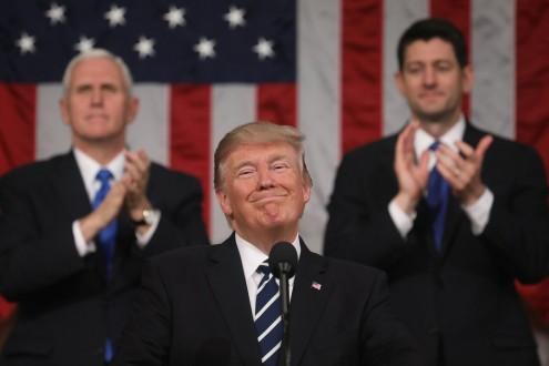 Trump diz que transgêneros serão banidos do Exército dos EUA