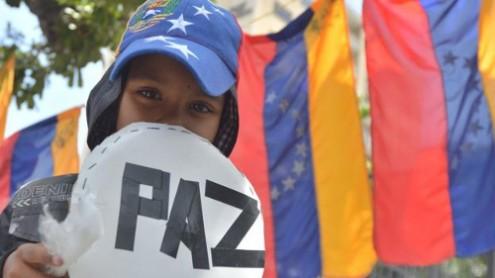 """Académicos, intelectuais e ativistas sociais apelam, à escala latino-americana e internacional, ao fim da violência e ao """"diálogo político e social"""" na Venezuela"""