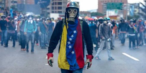 """Bloco de Esquerda apela a """"solução política gerida de forma a levar a eleições livres e democráticas num curto espaço de tempo"""" e sem ingerência internacional na Venezuela"""