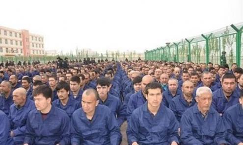 Campo de reeducação da comunidade uigur, em Xinjiang.