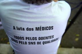"""Médicos exigem que sejam repostas as """"situações laborais que estavam em vigor antes da troika"""" - Foto de Paulete Matos"""