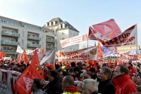 Trabalhadores afetos ao IG METALL em greve em 2015. Foto de DIE LINKE Nordrhein-Westfalen/Flickr.