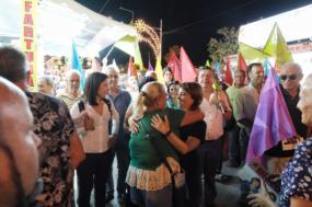 Catarina Martins com Joana Mortágua na visita à feira da Moita - Foto de Paula Nunes