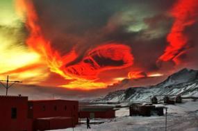 Estação Rei Sejong do Centro Coreano de Investigação Antártica. Foto de Asia Society/Flickr.