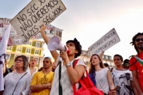 """Protestos em outubro de 2017 contra o acórdão da """"mulher adúltera"""". Foto de Paulete Matos."""