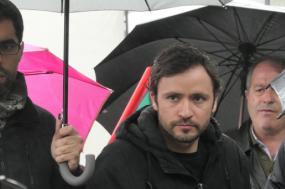 José Soeiro na manifestação de apoio aos trabalahadores do Miradouro Ignez, 13 de abril de 2019. Foto Henrique Borges/Facebook.