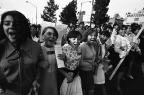 """""""Muito do que acontece hoje tem as suas raízes nas alegres e audazes jornadas das massas juvenis que percorreram as ruas da capital do México e de outras cidades do país"""""""