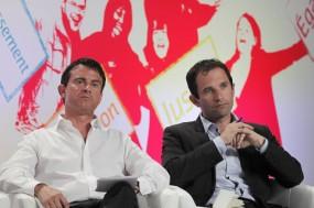 Manuel Valls e Benoît Hamon passaram à segunda volta das primárias do PS para as eleições presidenciais