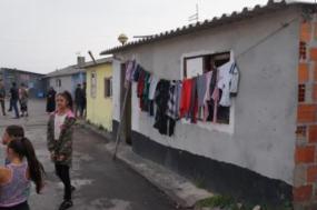 """AM aprovou medidas de emergência """"com particular incidência nas condições desumanas em que estão a viver várias famílias da comunidade cigana no bairro Marinha (Ovar)"""" - Foto de José Carlos Lopes"""