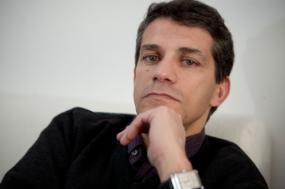 """""""Se eu estivesse num sistema com duplo voto, provavelmente votaria para reforçar os dois partidos à esquerda do PS, mas como só tenho um voto, apoiarei claramente o Bloco de Esquerda"""" - escreve André Freire"""