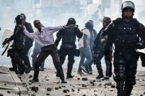 """Agressores interromperam uma atividade de campanha realizada para Rodrigo """"Timochenko"""" Londoño, o ex-líder das FARC e atualmente candidato presidencial na Colômbia - Foto de Luis Robayo"""