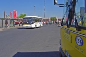 Autocarros dos TST em Cacilhas - Foto wikimedia