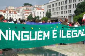 Para combater estas novas práticas, a associação Solidariedade Imigrante convocou uma concentração para a manhã de segunda-feira, 14 de maio, em frente à Assembleia da República. Fotografia de Paulete Matos.