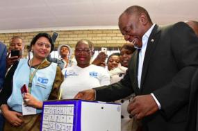 Cyril Ramaphosa vota nas eleições desta quarta-feira. Foto ANC/Facebook