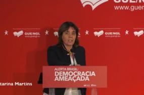 """Catarina Martins elogiou a """"coragem a quem no Brasil ao repto de que têm que escolher o exílio ou a prisão, diz que escolhe as ruas, como Guilherme Boulos"""""""