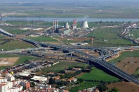 Há trabalhadores da central elétrica do Carregado que não recebem salários há dois meses - Foto wikimedia