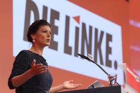 Sahra Wagenknecht, coordenadora do Die Linke, foto de Focke Strangmann, EPA/Lusa