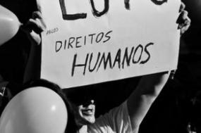 """70 anos depois, a Declaração Universal dos Direitos Humanos está sujeita à fragilidade da época em que as democracias e as liberdades estão à mercê de """"bárbaros"""""""