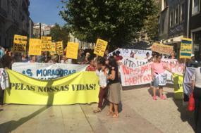 Manifestação pelo direito à habitação em Lisboa - Foto esquerda.net