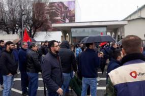 Trablhadores da Efacec fazem greve contra despedimento oletivo de 21 trabalhadores - Foto da CGTP