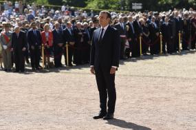 Emmanuel Macron no 77º aniversário de De Gaulle, por Bertrand Guay. Pool/Lusa.