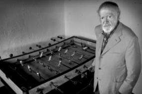 Alexandre de Fisterra foi um dos inventores do futebol de mesa ou jogo de matraquilhos
