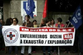 Enfermeiros e enfermeiras reivindicam contratação imediata de enfermeiros – Foto de Estela Silva/Lusa (arquivo)