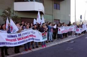 Concentração de trabalhadores do Pingo Doce em luta por aumento de salários
