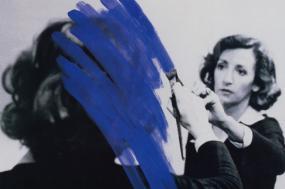 Faleceu a artista plástica Helena Almeida