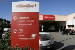 Trabalhadores exigem o pagamento do salário mínimo da função pública (635 euros), pois o hospital Amadora-Sintra é o único que não cumpre o acordo coletivo de trabalho – Foto CGTP