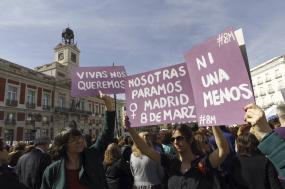 Centrais sindicais apoiam greve de mulheres em Espanha