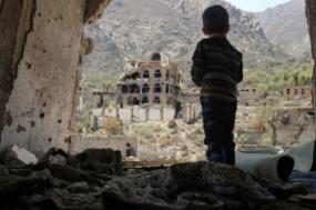 Iémen: a guerra já provocou milhares de mortos e a fome ameaça grande parte da população; foto de KarimaKahlany/Twitter