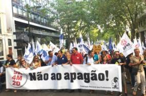 Sindicatos decidiram convocar greve às atividades não letivas a partir de 29 de outubro e até ao final do ano letivo 2018/2019 – foto esquerda.net