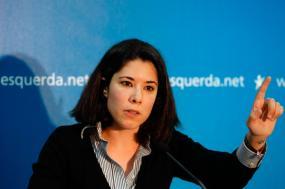 """Na opinião da deputada do Bloco, cabe agora a Rajoy decidir """"se quer responder com mais repressão"""". Foto de António Pedro Santos/ LUSA."""