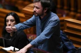 """""""Queremos que a decisão seja tomada nos próximos meses, de modo a garantir que no Orçamento do Estado para 2018 a medida possa já ter cabimento"""", afirma José Soeiro - Foto de António Cotrim"""