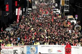 Manifestação em Marselha – Foto de GuillaumeHorcajuelo/Epa/Lusa