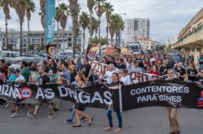 """""""Diz Não às Dragas"""" faixa da manifestação realizada em Setúbal a 13 de outubro de 2018 - Foto de Fernando Pinho"""
