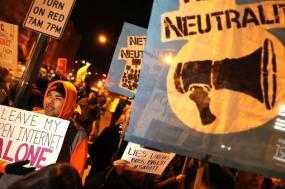 A Internet aberta e gratuita não pode acabar: é preciso lutar nos tribunais, no Congresso e nas ruas