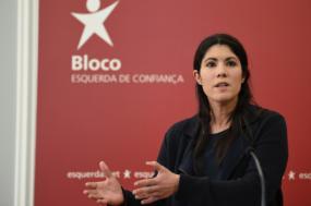 Não é com remendos que este OE dará uma resposta à crise, diz Mariana Mortágua