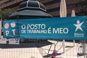 Faixa da manifestação contra os despedimentos na PT. Foto esquerda.net.