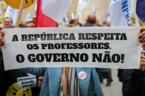 Protesto dos professores junto à Assembleia da República – Foto de José Sena Goulão/Lusa