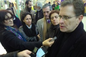 Pedro Soares, prestando declarações à comunicação social, durante a visita que fez à feira Agro