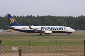 Greve de tripulantes portugueses da Ryanair tem 80% de adesão - Foto ta_dzik/flickr